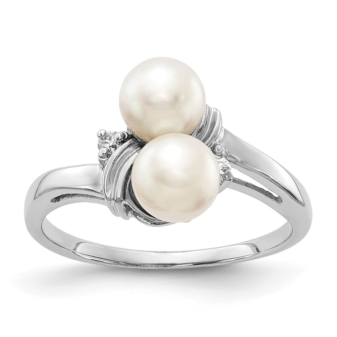 14k White Gold 5.5mm FW Cultured Pearl AAA Diamond ring